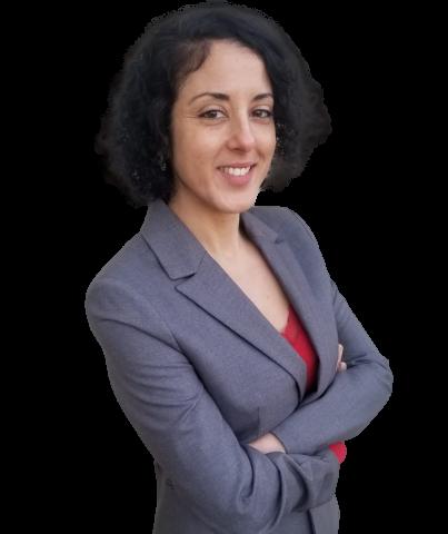 Dina Khider, chargée d'affaires à Potentia Finance, elle est spécialiste de l'analyse marché et des performances produit.